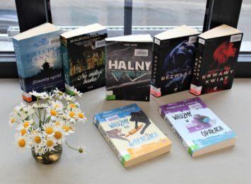 Książka na weekend. Sprawdź, jakie tytuły poleca biblioteka w Żorach
