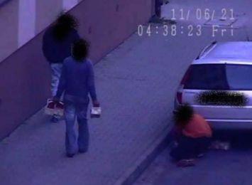 Truskawkowi złodzieje w Cieszynie. W czasie kradzieży złapał ich monitoring