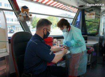 Kilkanaście litrów krwi zebrano pod komendą policji w Rybniku
