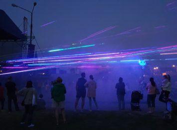 Festiwal Górnej Odry. W Chałupkach spływ kajakowy, pokazy laserowe i Majka Jeżowska [FOTO]