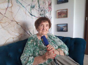 """""""Wiersze to dla mnie po prostu życie"""". Elżbieta Zaremba, poetka z Gołkowic w cyklu """"Ludzie z Pasją"""""""
