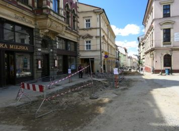 Opóźnienia na Głębokiej w Cieszynie. Finał prac jesienią