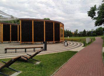 """Kino letnie w Rydułtowach. Miasto zaprasza na projekcję filmu """"Zegar czarnoksiężnika"""""""