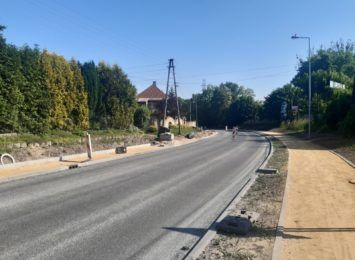 Kierowcy na Traugutta w Pszowie nie stosują się do znaków, powodując utrudnienia [FOTO]