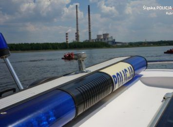 Rybniccy motorowodniacy dbają o bezpieczeństwo nad wodą [FOTO]