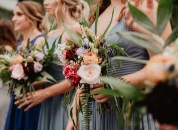 Sezon ślubny trwa! Co założyć na wesele, żeby wyglądać odpowiednio i czuć się dobrze?