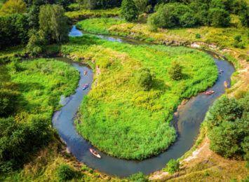Ta atrakcja jest dla każdego! Wycieczka kajakiem malowniczą rzeką Rudą