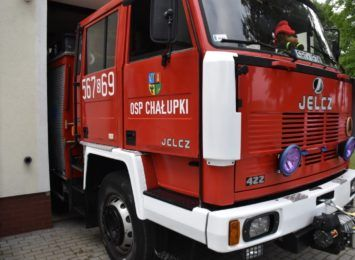 OSP Chałupki cieszą się z nowego wozu. To pierwszy w gminie ciężki wóz bojowy