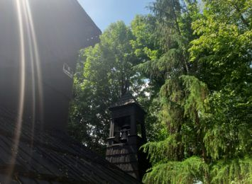 Pomysł na weekend. Zobacz drewniany kościół w Pietrowicach Wielkich [FOTO]