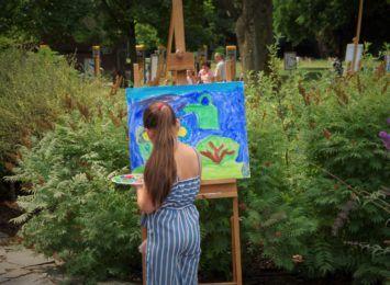 Malowanie z natury. Kolejny plener malarski na kampusie