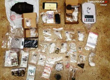Dopalacze i narkotyki w mieszkaniu 22- latka z Cieszyna