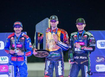 Żużel w Rybniku: Mikkel Michelsen zostaje mistrzem Europy. Rozmawialiśmy z kibicami tuż po ostatnim biegu