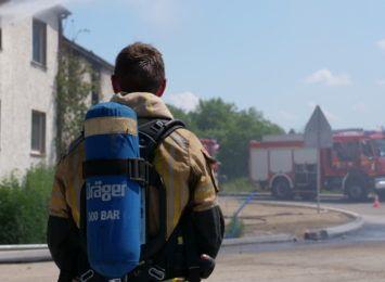 Pożar pustostanu w Raciborzu. Strażacy w akcji [FOTO, WIDEO]
