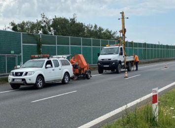 Przygotowania do remontu A1 na odcinku Pyrzowice. Trzeba tam mocno zwolnić, by nie uszkodzić samochodu.