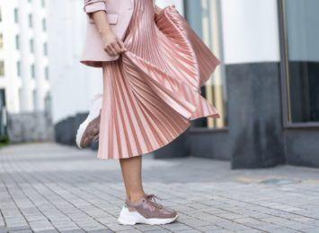 Jak wyglądać modnie, nie rezygnując z wygody?