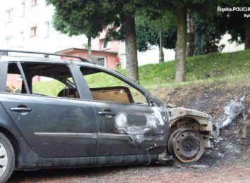 Ktoś podpalił samochód na Wrębowej w Rybniku