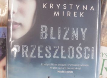 Książka na wakacje. A może thriller psychologiczny? Zajrzyj do biblioteki w Warszowicach