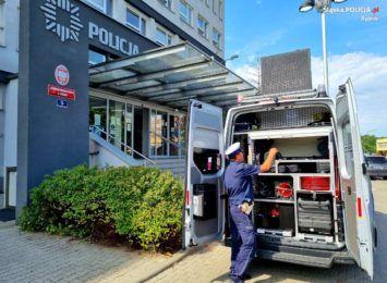 Ambulans Pogotowia Ruchu Drogowego to nowy radiowóz dla rybnickiej policji [FOTO]