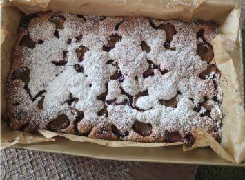 Kuchnia Radia 90: Iwona poleca ciasto ze śliwkami