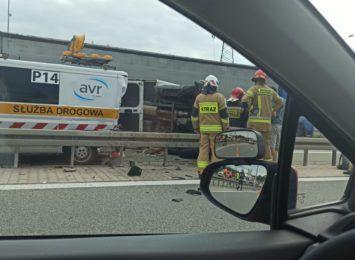 Utrudnienia na S52 w Skoczowie. Doszło tam do wypadku, są poszkodowani [FOTO]