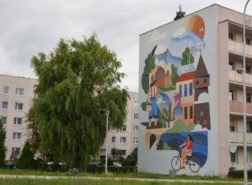 Jastrzębie-Zdrój: Ekologiczny mural gotowy! Nie tylko promuje ekologię, oczyszcza też powietrze