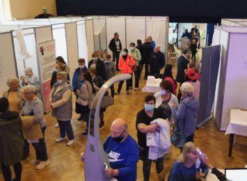 Dzień Promocji Zdrowia w Pszowie. Kolejki do badań profilaktycznych i na konsultacje [FOTO]