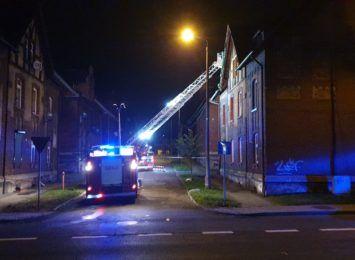 Pożar w familoku w Czerwionce- Leszczynach. Dziś okaże się czy lokatorzy mogą wrócić do mieszkań [AKTUALIZACJA]