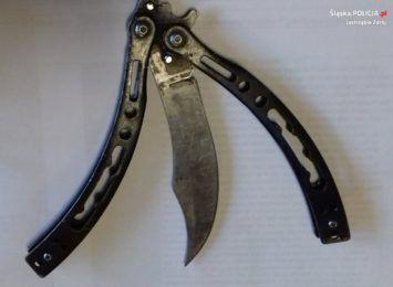 Ugodził nożem mężczyznę. Policjanci z Jastrzębia informują o weekendowym zdarzeniu