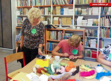 Zrobią ozdoby z suszonych kwiatów. Biblioteka w Markowicach zaprasza na warsztaty rękodzielnicze