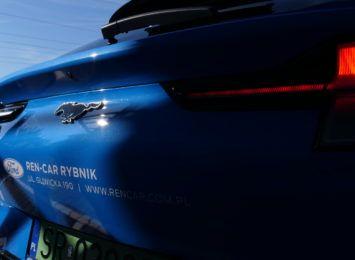 Finał konkursu Taksówka Radia 90! Kto z naszych słuchaczy przejedzie się elektrycznym Mustangiem Mach-E?