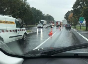 Wypadek w Drogomyślu na DK 81. 80-letnia kobieta zajechała drogę innemu kierowcy