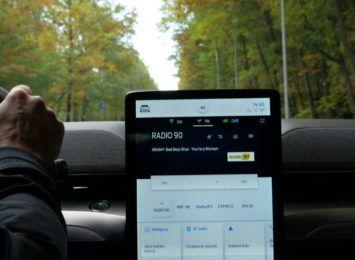 Elektryczna taksówka Radia 90 znowu w trasie! Gdzie tym razem pojechała? [WIDEO,FOTO] [materiał partnera]